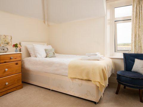 Linnet second bedroom